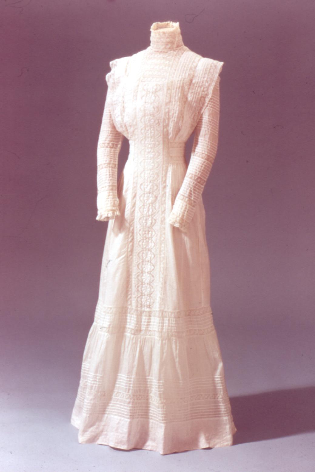 Fashion 224 1900's  Fashion 224 190...
